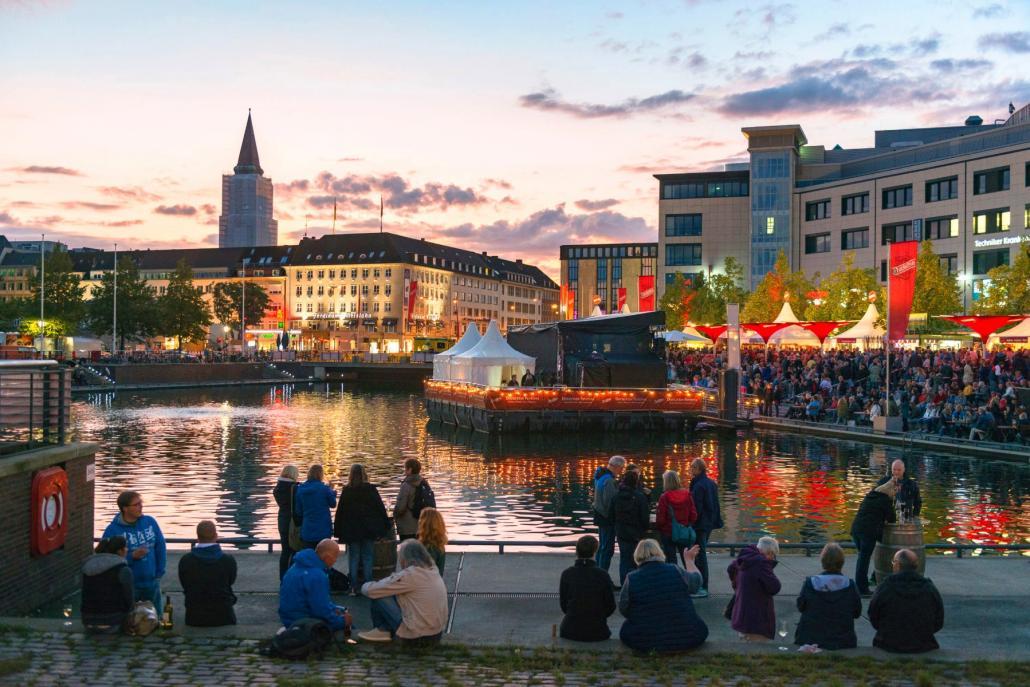 Live-Musik, Design und Straßenkunst beim Duckstein-Festival