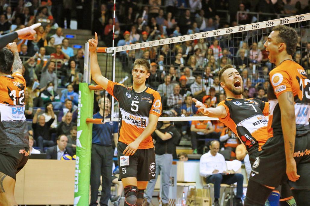In einem packenden Finale entschieden die Berliner die Deutsche Meisterschaft für sich