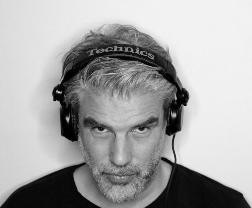 Das Nordlicht DJ Jens Hardeland legt an diesem Abend gleich zweimal auf
