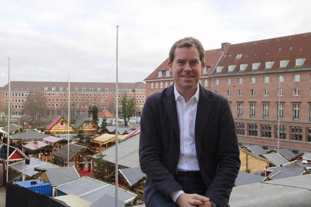 Freudiger Sieger: Dr. Ulf Kämpfer darf seine zweite Amtsperiode antreten