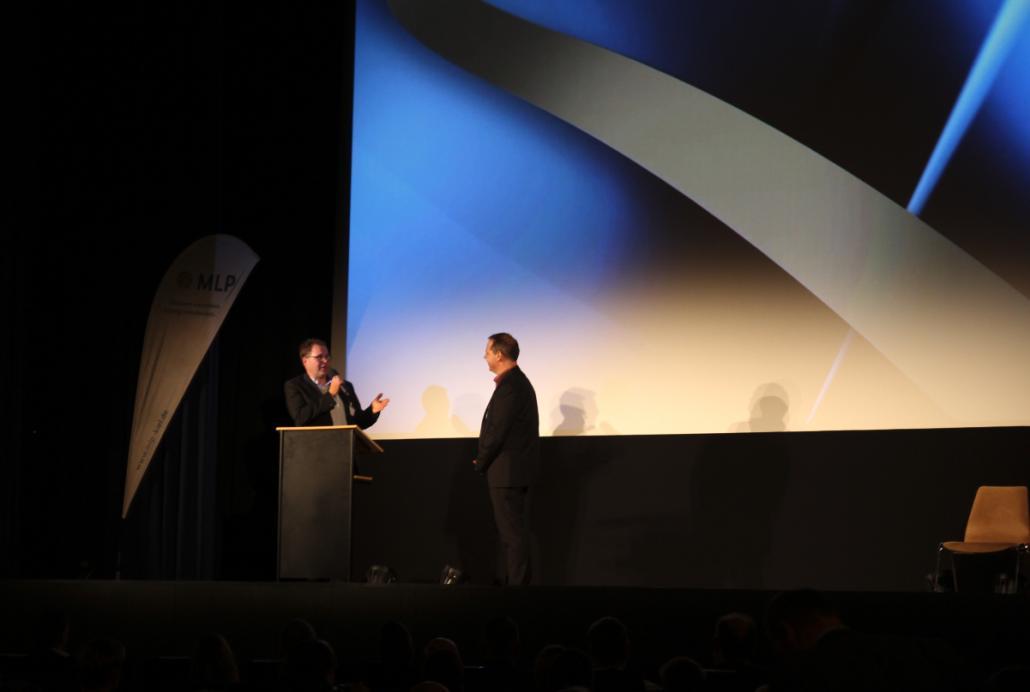Meinert Menzel und Gerd Boy Schmidt begrüßten die Gäste mit einer kleinen Präsentation