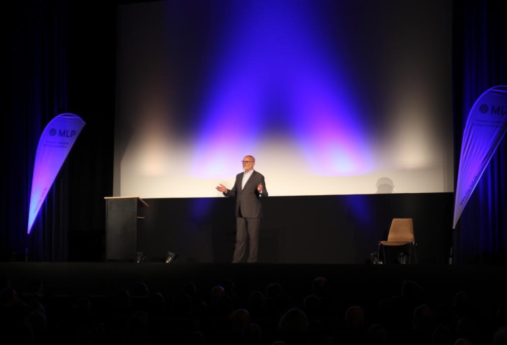 Selbst-Entwickler Jens Corssen reiste Extra aus München an, um einige Grußworte zu sprechen