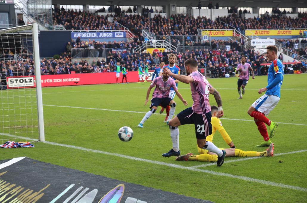 Holstein Kiel bleibt ungeschlagen