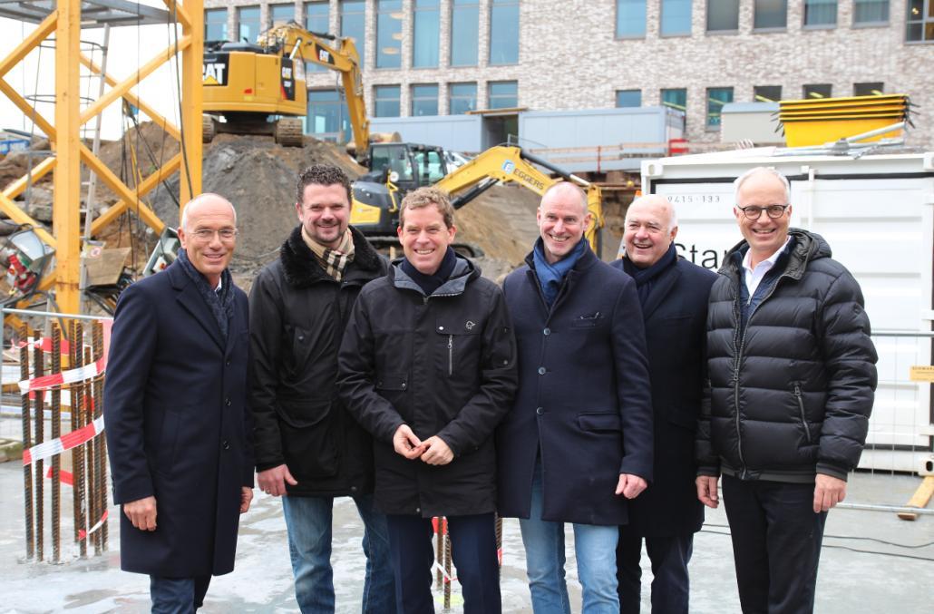 Joachim Linnemann (Investor), Marc Rohe (Leiter Projektentwicklung der ATLANTIC Hotels), Dr. Ulf Kämpfer, Giorgio Gullotta (Architekt), Kurt Zech (Investor), Markus Griesenbeck (GF ATLANTIC Hotels)