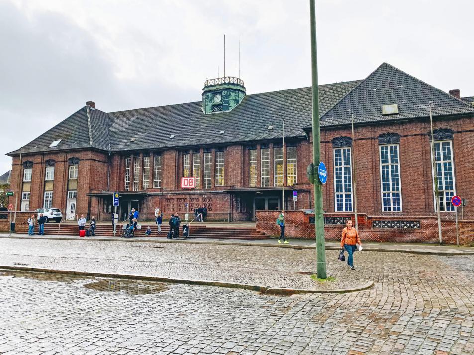 Der Bahnhof von Flensburg liegt nur 20 Gehminuten von der Phänomenta entfernt