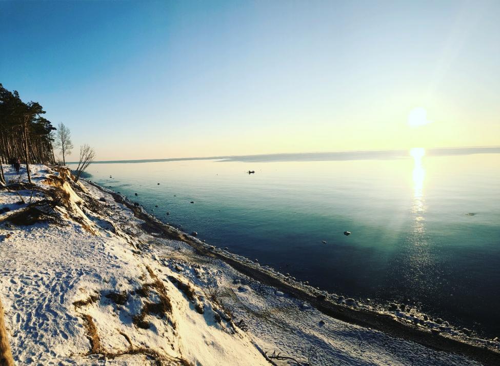 An Litauens Küsten könnt ihr euer Glück als Bernsteinsucher testen – zum Beispiel an der Kurischen Nehrung, der Landzunge vor Litauen
