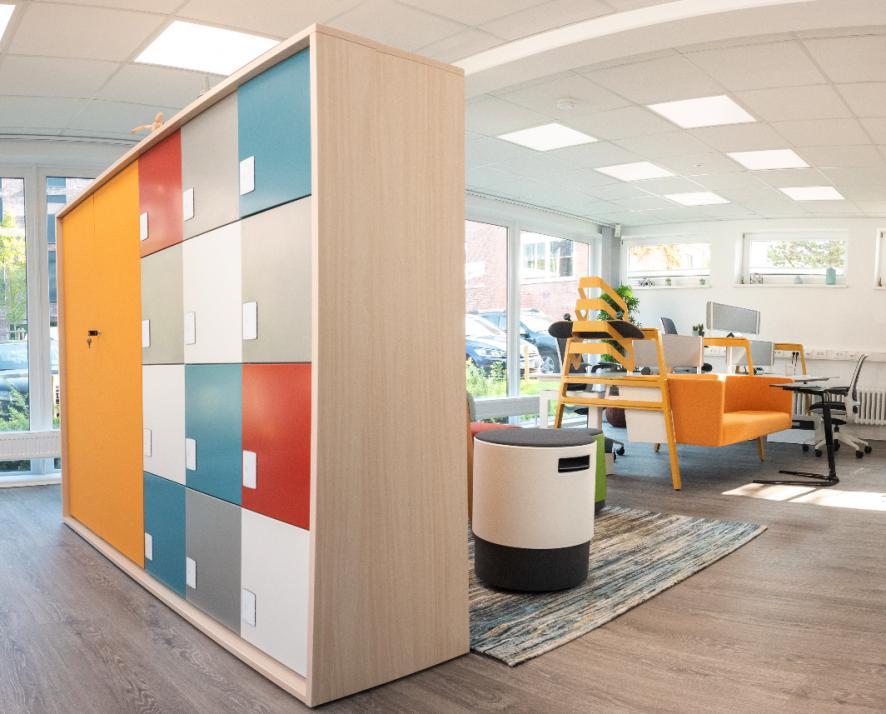 Das modern workplace office bietet euch Platz für gemeinsames und eigenständiges Arbeiten
