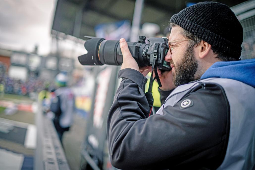 Sebastian Schulten ist unser rasender Reporter am Spielfeldrand.