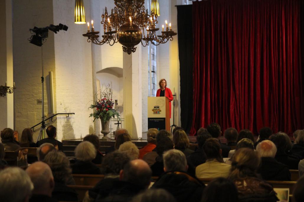 Karin Prien, Ministerin für Bildung, Wissenschaft und Kultur des Landes Schleswig-Holstein sprach das Grußwort der Festveranstaltung