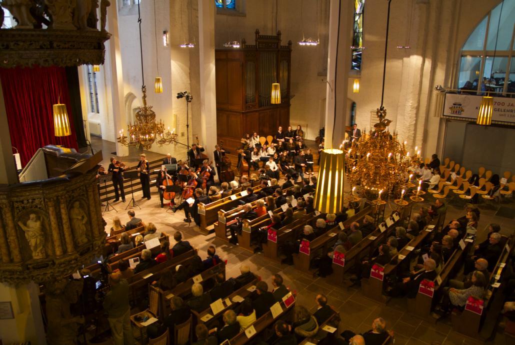 Anlässlich des 700. Geburtstags der KGS war die Nikolaikirche gut gefüllt