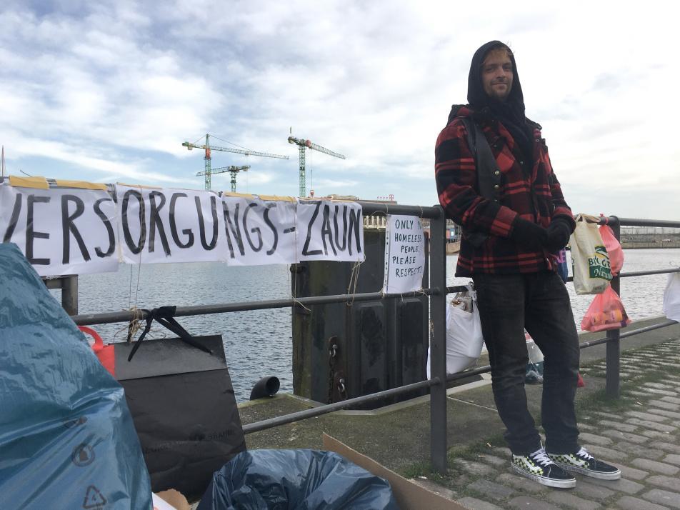 Christian Busch lebt seit acht Jahren auf der Straße und freut sich über die Solidarität der Kieler