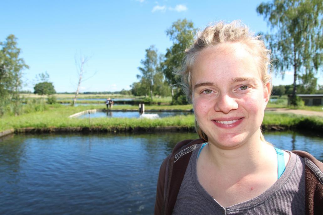 Tanja Knutzen absolviert eine Ausbildung zur Fischwirtin im eigenen Familienbetrieb.