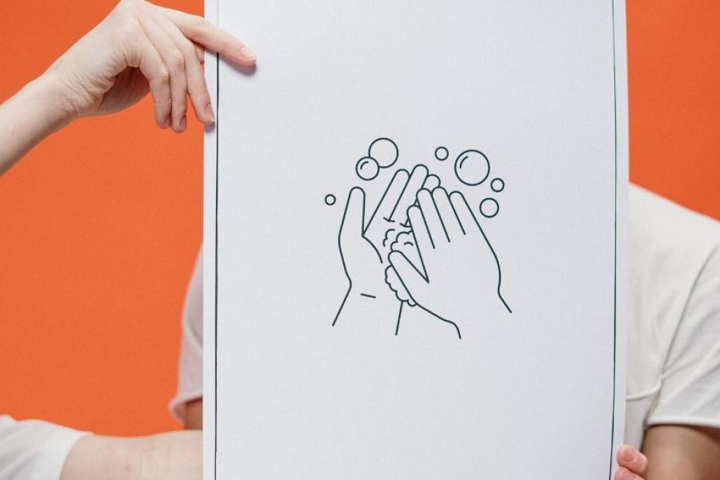 Hände waschen, Abstand halten, Maske tragen - dann schaffen wir es weiterhin, die Zahl der Erkrankten in Kiel so gering wie möglich zu halten