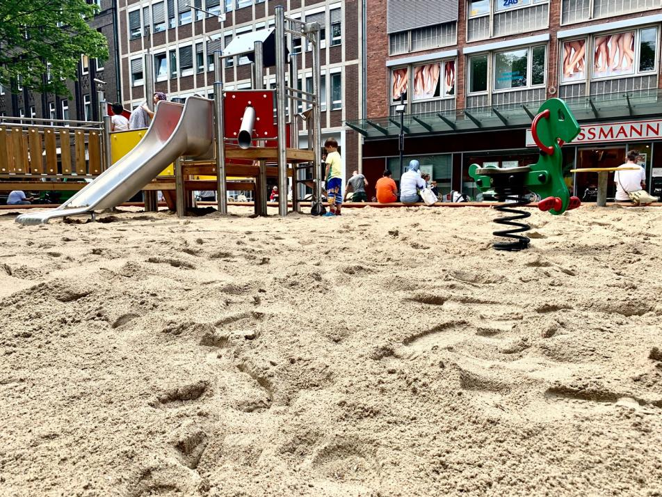 """Sandfrachter"" weckt Spielfreude der Kinder"