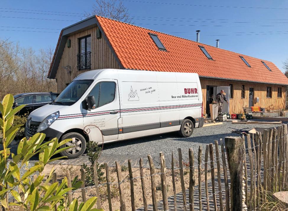 Das Team von Holger Buhr ist in Neumünster, Kiel und Umgebung tätig