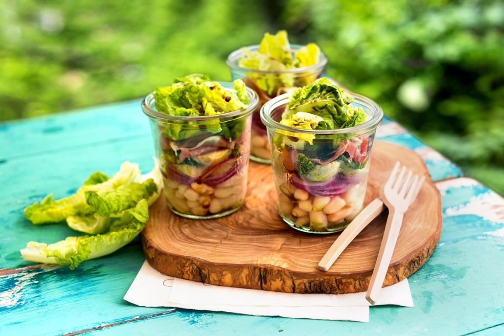 Frisch, lecker, einfach: Salat im Glas