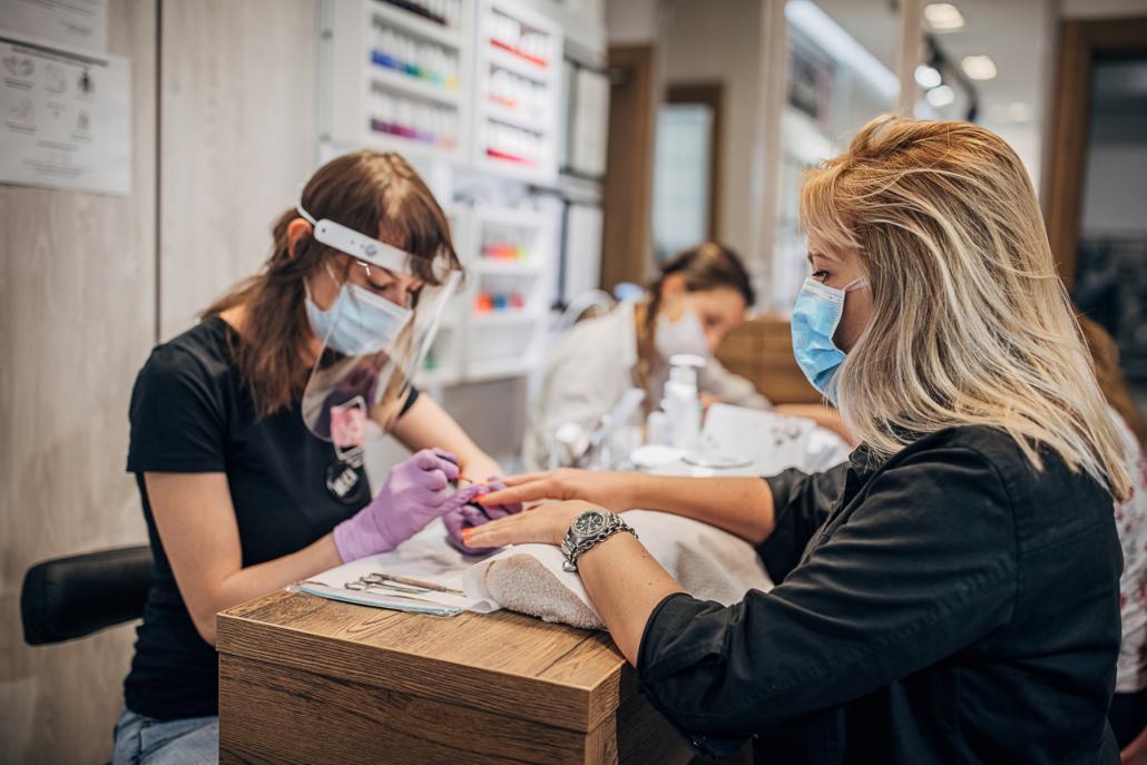 Körpernahe Dienstleistungsbetriebe wie Nagelstudios dürfen am Montag, den 30. November wieder öffnen.