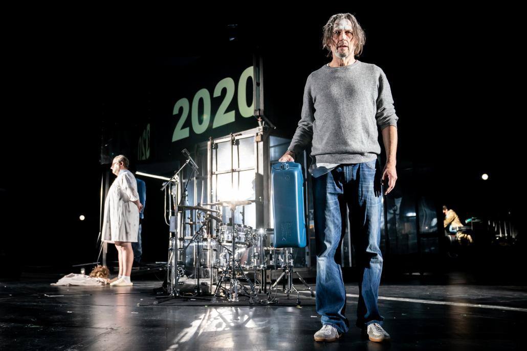 """Das Thalia Theater zeigt mit """"Paradies"""" die Auftaktveranstaltung"""