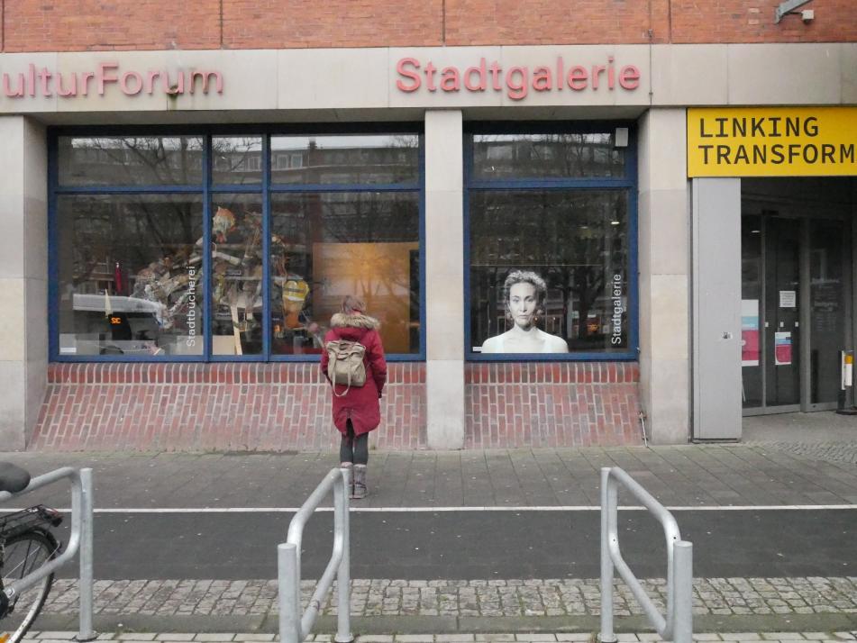 Stadtgalerie stellt Kunst im Schaufenster aus