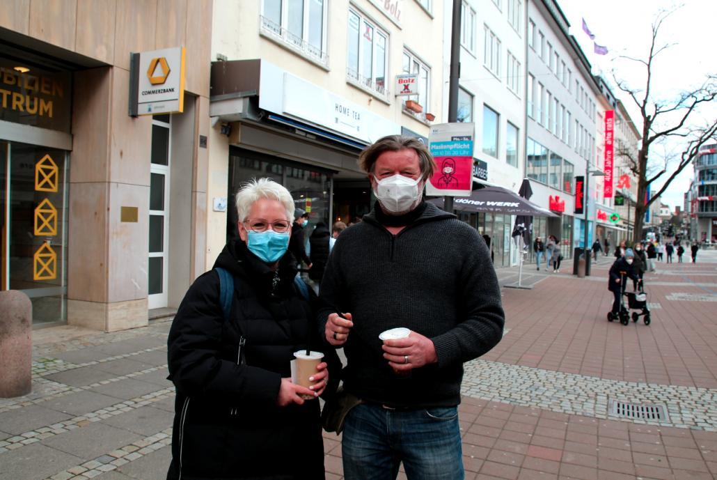 Anja und Karl werden wohl auch am Montag einen Kaffee trinken gehen – vorausgesetzt das Wetter spielt mit.