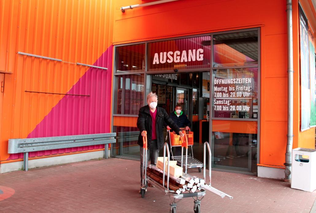 Beim Hornbach-Markt am Theodor-Heuss-Ring waren keine Voranmeldungen nötig.
