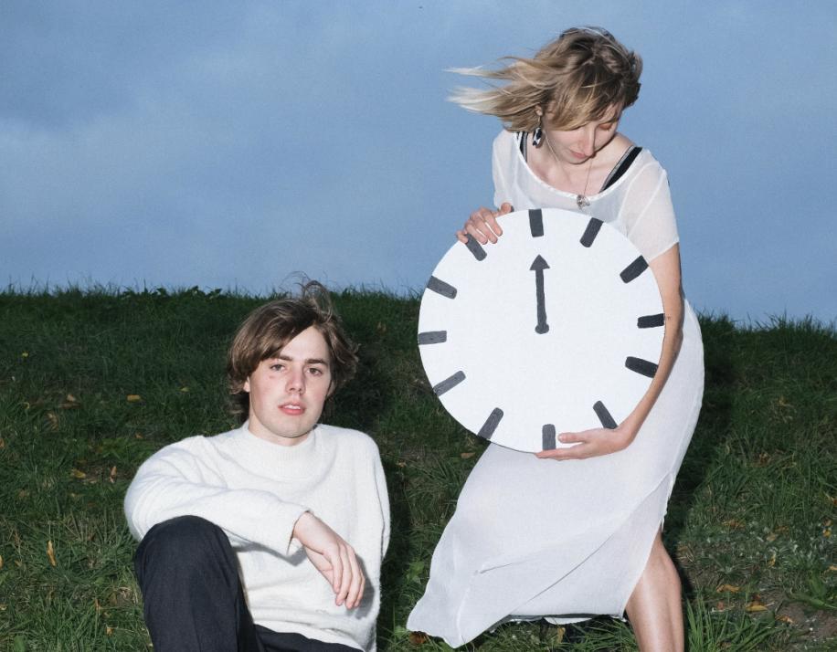 """Mehr als ein """"missing link"""": Dennis ergänzt die Songwriterin Anna zum Dreampop-Duo """"Sloe Noon""""."""