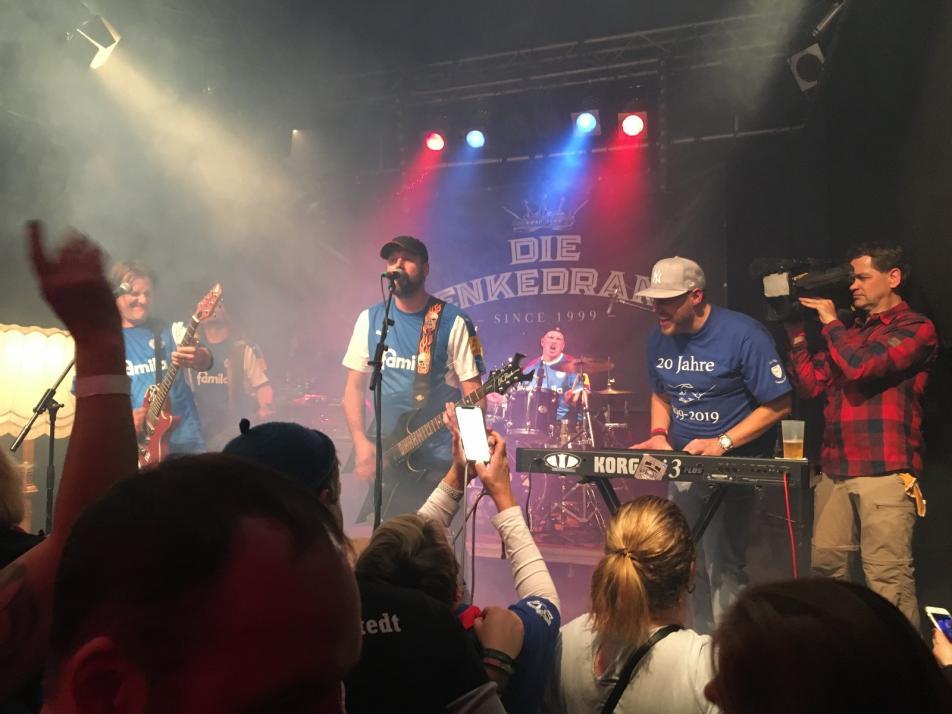 Das 20-jährige Band-Jubiläum feierten die Band und ihre Fans 2019 in der  ausverkauften Räucherei