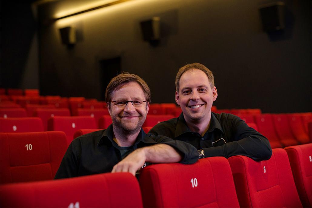 Die Betreiber des Studio Filmtheaters Matthias Ehr und Dennis T. Jahnke hoffen, bald wieder öffnen zu dürfen.