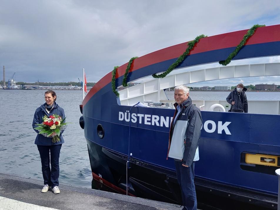 Die erste vollelektrische Fähre an der norddeutschen Küste nimmt ihren Betrieb auf.