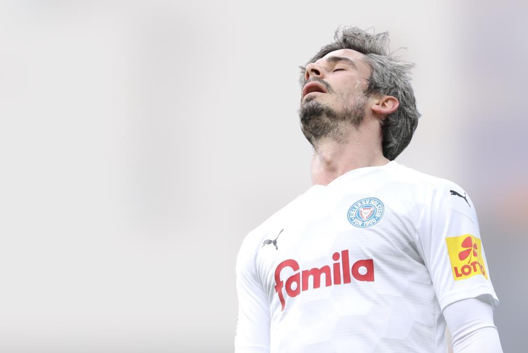 Fin Bartels war die Enttäuschung nach dem verpassten Aufstieg ein Karlsruher SC anzusehen.