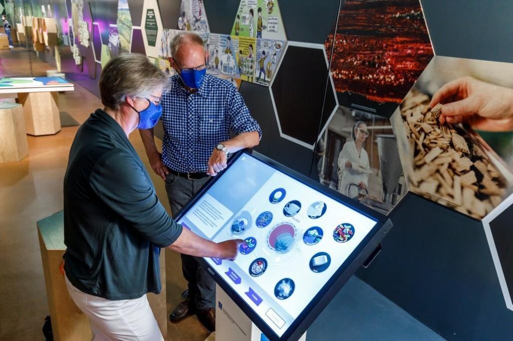 MS Wissenschaft – Das schwimmende Science Center auf Tour