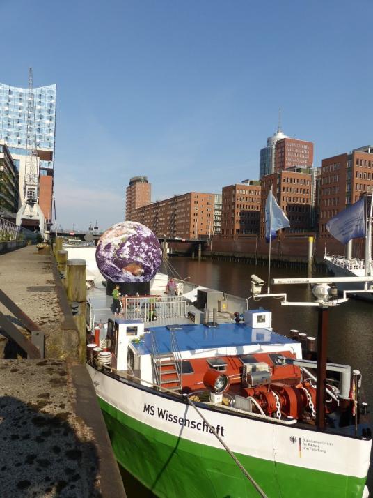 Die MS Wissenschaft in Hamburg, vom 19. bis zum 24. Juni legt sie in Kiel an