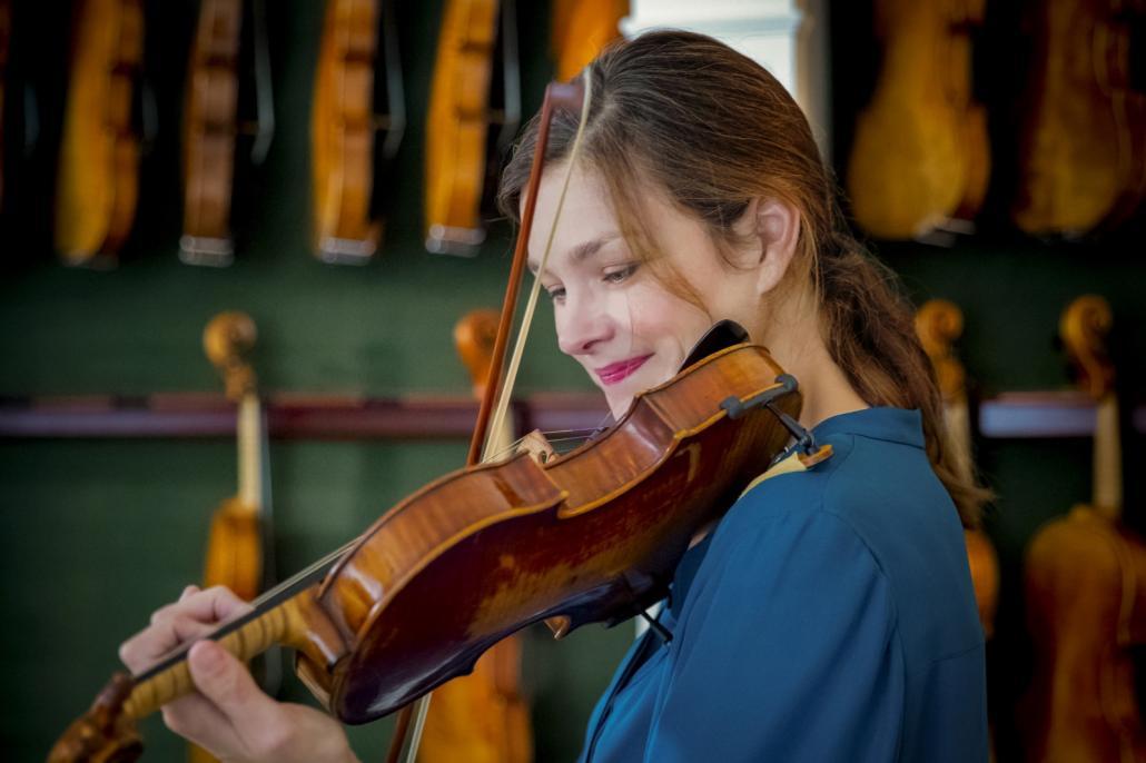 Janine Jansen spielte zusammen mit Freunden eins der ersten Konzerte des diesjährigen Schleswig-Holstein Musik Festival im Kieler Schloss