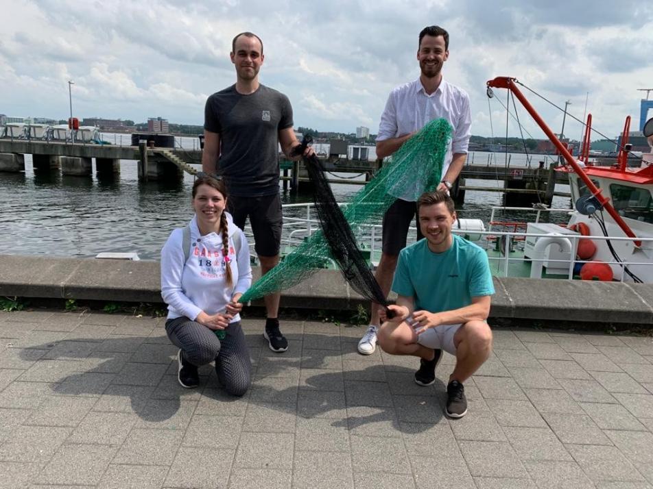 """""""PreventGhost Nets"""" von Henrik Zinn, Janek Dunsing, Annika Fock und Jesreel Dietrich schlägt ein ein Leihsystem für Fischernetze vor"""