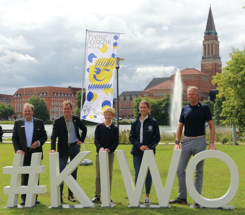 v.l.: Götz Bormann, Dr. Ulf Kämpfer, Frederik Schwall, Emma Kohlhoff, Dirk Ramhorst