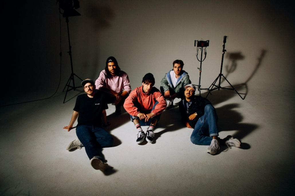 Die Kieler Rockband LEONIDEN landeten mit ihrem 3. Studioalbum einen Charterfolg.
