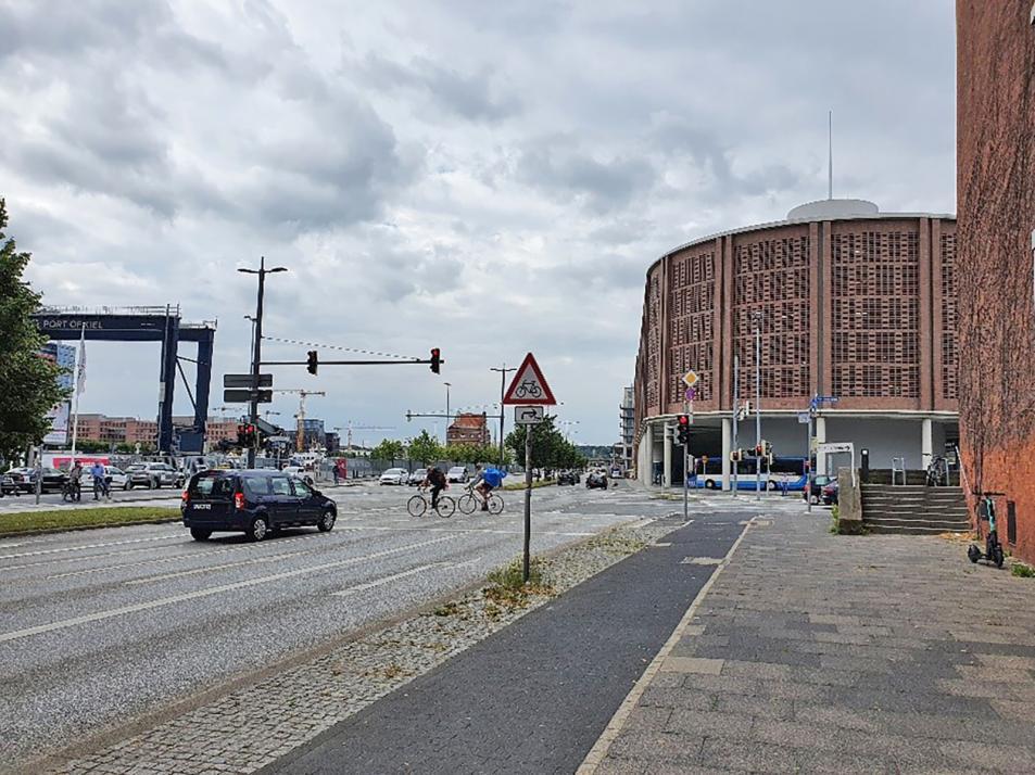 An der Kreuzung Kaistraße/Stresemannplatz verunglücken Radfahrende laut Polizei am häufigsten.