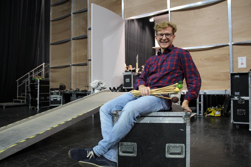 Mittlerweile blickt Lukas Paetzold entspannt auf kommende Konzerte und Prüfungen. Dafür waren jahrelanges Proben und ein Studium nötig.