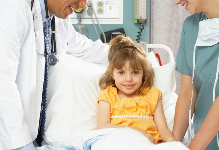 R.SH hilft helfen-Stiftung unterstützt erkrankte Kinder