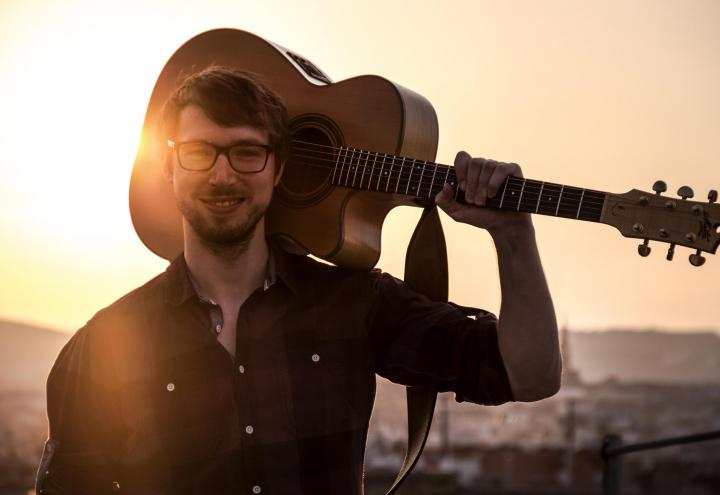 Multi-Instrumentalist Simon Wahl