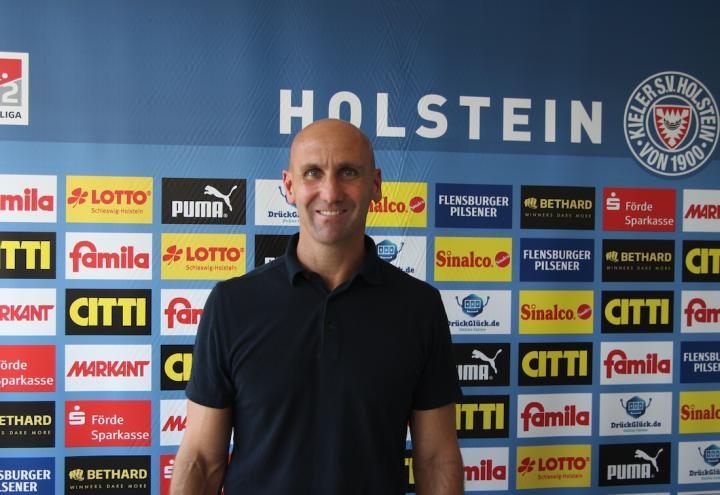 Neuer Trainer für Holstein Kiel ist da!