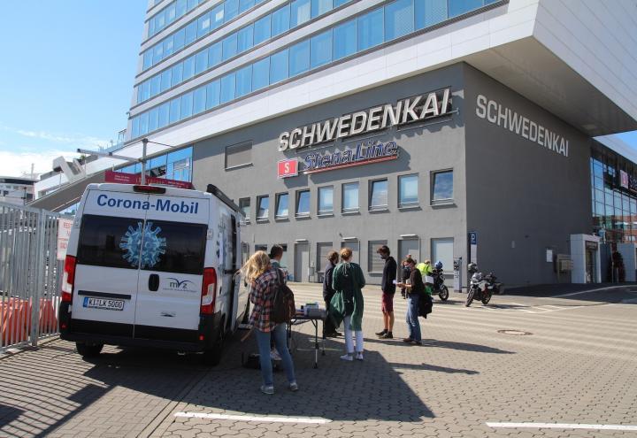 Corona-Mobil in Kiel kommt gut an